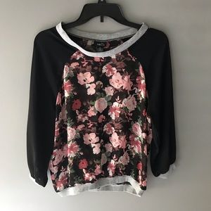 Rue 21 size small blouse